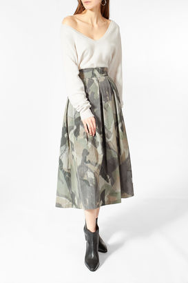 Faltenrock mit Camouflage-Muster